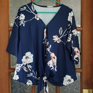 Tops - Blouse/ Top